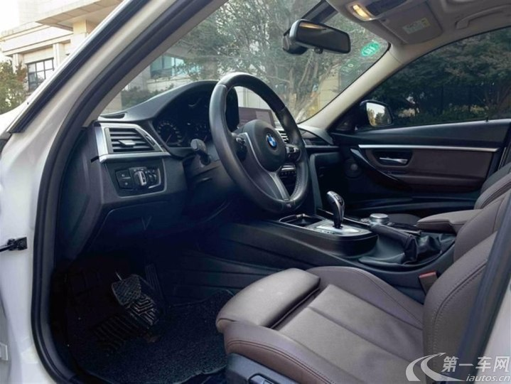 宝马3系 320i 2019款 2.0T 自动 汽油 M运动套装 (国Ⅵ)